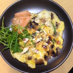 Brekky; omelette, rocket, smoked salmon